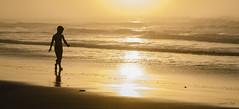 (Laura Cu) Tags: mar playa puestadesol cantabria liencres lauracue