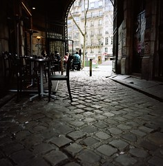 Cour du commerce St Andr (vidal.cuervo) Tags: paris mediumformat mamiya6 argentique analogical mtroparisien