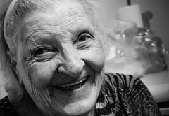 Abuela (Pablo Gorosito) Tags: portrait blackandwhite blancoynegro model nikon grandmother retrato abuela sonrisas abuelas d5300
