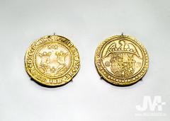 Monedas oro reyes catolicos - museo arqueologico nacional (J.M. Alvarado) Tags: madrid gold coin segovia granada aragon moneda alvarado oro castilla reyescatolicos excelente