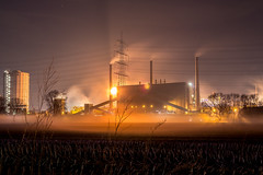 Nightly power station (Explore #6) (Fabian Fortmann) Tags: light sky orange industry field station fog night germany deutschland lights licht essen flickr nebel power nacht foggy feld himmel explore kraftwerk capture turm industrie ruhrgebiet powerstation bottrop müllverbrennungsanlage