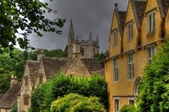 CASTLE COMBE (toyaguerrero) Tags: uk inglaterra england english architecture rural britain cottage quintessential costwolds englishness maravictoriaguerrerocataln toyaguerrero