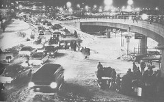 Road traffic near Stapleton International Airport came to a standstill. (Rocky Mountain News / Denver Public Library Archives)