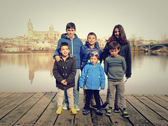 2015-12-26 13 40 49 (Pepe Fernández) Tags: grupo fotodegrupo reunion niños salamanca iphone iphoneografía móvil familia primos