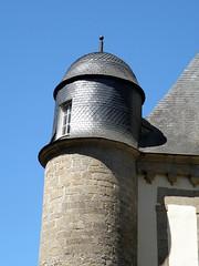 P7040118 (marinetteromico) Tags: tourelle toit ardoises pierres ronde hennebont bretagne