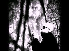 Tree Hugging. 103. (Begi Nabara) Tags: treehugger onwardsandupwards somanyhumanssolittlehumanity reasonstobecheerful imonlyahumanbeing likehumansdo canyouspareashillingforacupoftea winteriscoming anactualperson notthenormalbollocks ahumanlikeyou borninthe50s handlewithcare donoharm icoulduseahug doingwhatidobest withagreatbeardcomesgreatresponsibility selfportrait