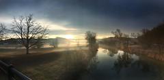 Sonnenuntergang am Nekar (Blende2,8) Tags: wasser wolken nebel himmel brücke bäume fluss sonnenuntergang reutlingen necker neckartal badenwürttemberg