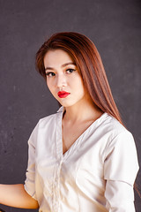 AKU_5937 (Akasumoto) Tags: 85l look girl beautiful canon 1dsmark3 1dsmarkiii portrait vietnam body color lighting strobe studio chair hair fly flower