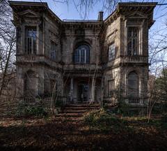 Villa Beemwee (Jan Hoogendoorn) Tags: belgie belgium urbex urbanexploring vervallen verlaten abandoned decayed villabmw villa beemwee