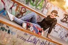 _DFX4318 (masv1978) Tags: park light portrait color luz nikon retrato negro 85mm skate d750 gran gorra janet ocaso canaria camisa graffitis vaqueros maspalomas nikonr f18g