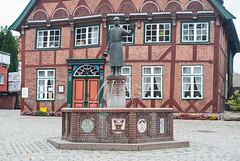 20150916_01 - Marktplatz (grasso.gino) Tags: house fountain germany deutschland nikon brunnen haus architcture architektur marketplace framework marktplatz schleswigholstein fachwerk ltjenburg d3000