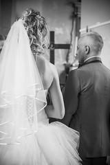 mariage (fynityks) Tags: canon eos noir photographie mark pierre dos ii desaturation contraste imagination 5d moment claus mariage simple et sourire blanc