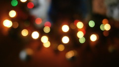 Navidad Bokeh! (Chrystian G.) Tags: luz navidad luces bokeh iso400 colores desenfoque tva brillante oscuridad whitenight feb23 profundidaddecampo happyvalentines defocus encuentros dp3 avstand whenigrowup lucesnavideas myvalentine 05s farligt fdt f34 83mm olympusphotos genomskinlig benchmonday facedowntuesday fencefriday leicammonochrom olympusvg160 northplatterealestate dp3merrill whitenightmelbourne whitenightmelb