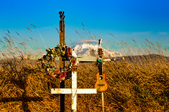 Tell the Stones (Dex Horton Photography) Tags: cometostay robertfrost unusedgraveyard poem grave graveyard gravemarker cross death dying mtbaker grass fieldstribute