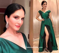 Sunny Leone in Green Gown by Bespoke Boutique couture (shaf_prince) Tags: actressingowns actressingreendresses bespokeboutiquecouture eveninggowns gowns partyweargowns sunnyleone thestardustawards thighhighslit vshapedneckdesign