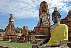 Ayutthaya - Wat Mahathat (zorro1945) Tags: watmahathat ayutthaya thailand asia asie wat temple buddhisttemple buddhaimage buddha buddhism robe chedi stupa ruins ruinedtemple history 1374