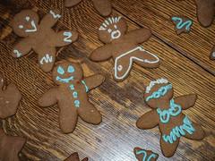 The Happy Family (raddad! aka Randy Knauf) Tags: raddad6735212 raddad randyknauf raddad4114 randy knauf gingerbreadman gingerbread gingerbreadmen chirstmastradition hickory hickorynorthcarolina family