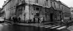 Paris con aguacero #3 (Manuel Gayoso) Tags: lemarais paris francia paraguas lluvia sevigne