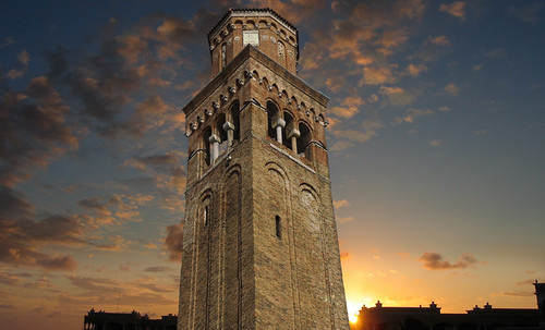 "Torres legendarias / Faros, minaretes, campanarios, rascacielos • <a style=""font-size:0.8em;"" href=""http://www.flickr.com/photos/30735181@N00/31722252803/"" target=""_blank"">View on Flickr</a>"