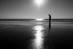 (Magdalena Roeseler) Tags: silhouette birma myanmar asia people beach ngwesaung sun see meer olympus bw monochrome
