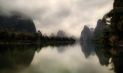 Xing Ping at dawn. (Massetti Fabrizio) Tags: sunrise sun cina china clouds carlzeiss21mmf28 nikond700 night river yellow yangshou yangshuo guilin guangxi guanxi landscape landscapes
