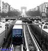 P1000204 (diparis95) Tags: paris larchedetriomphe avenue ark nbcouleur noirblanccouleur blackandwhiteandcolors métroparisien