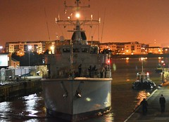 HMS Hurworth M39 (4) @ London's Royal Docks 12-09-15 (AJBC_1) Tags: night military nighttime cityatnight warship royalvictoriadock minesweeper eastlondon rn shipsatnight royalnavy mcv nikond3200 newham 2015 dsei royaldocks m39 excelexhibitioncentre militaryvessel navalvessel londonboroughofnewham hmshurworth minehunter londonexcelcentre huntclass minecountermeasuresvessel dlrblog londonsroyaldocks ajc shipsinpictures