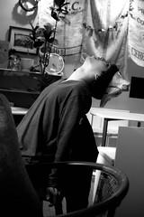 狐憑き Fox Spirit (Yūta 3.21) Tags: dp2s 41mm digital 大阪 osaka japan 日本 中津 空夢箱 狐 fox 面 nakatsu sorayumebako cafe カフェ sigma foveon monochrome モノクロ モノクローム 白黒 blackwhite bw blackandwhite portrait ポートレート 人 人物 person