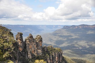 The Three Sisters, and the Kedumba Valley