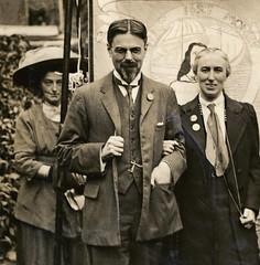 Laurence Housman and Clemence Housman, c.1910.