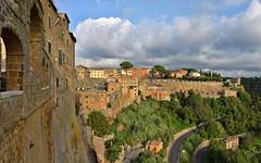 DSC_0321-0324 Pitigliano, panorama (Giovanni Pilone) Tags: panorama toscana architettura paesaggio bastione pitigliano allaperto