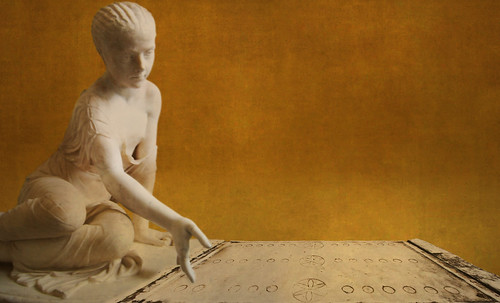 "Petteia - Ludus Latrunculorum  / Iconografía de las civilizaciones helenolatinas • <a style=""font-size:0.8em;"" href=""http://www.flickr.com/photos/30735181@N00/31710141353/"" target=""_blank"">View on Flickr</a>"