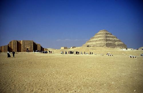 "Ägypten 1999 (566) Kairo: Djoser-Pyramide, Sakkara • <a style=""font-size:0.8em;"" href=""http://www.flickr.com/photos/69570948@N04/31745798252/"" target=""_blank"">Auf Flickr ansehen</a>"