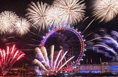 London on NYE.. (Lauren Tucker Photography) Tags: uk south east england unitedkingdom europe capital london westminster riverthames londoneye countyhall bigben housesofparliment fireworks firework display celebration event 2016 2017 winter december january colour pyrotechnics pyrotechnic photographer photography photograph photo image picture pic allrightsreserved ©laurentuckerphotography