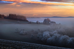 Winter Sunrise - explore (Rita Eberle-Wessner) Tags: winter sunrise sonnenaufgang nebel raureif wolken hügel tal landschaft landscape odenwald fog foggy hoarfrost cloudsstormssunsetssunrises himmel