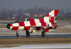 MIG-21UMD 165 CLOFTING IMG_8654+FL (Chris Lofting) Tags: mig21 mig21um mig21umd 165 kokica zagreb pleso hrz croatia croatianairforce