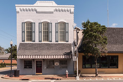 Wright & Wright, PC (jwcjr) Tags: pentax sandersville sandersvillega sandersvillegeorgia smalltown smalltownga southernarchitecture architecture building wrightwright wrightwrightsandersville windows awning