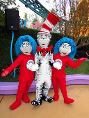 Thing 1, The Cat in the Hat and Thing 2 (meeko_) Tags: cat hat thecatinthehat thing thing1 thing2 drseuss characters universalorlandocharacters seusslanding universals islands adventure islandsofadventure universalsislandsofadventure themepark universal orlando universalorlando florida