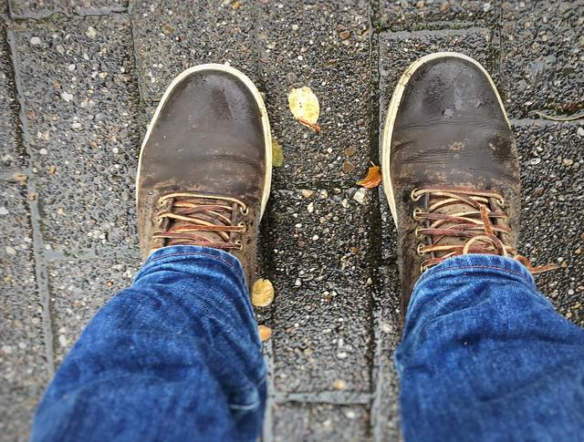 rain standing shoe shoes floor schuhe regen timberland schuh stehen fusboden