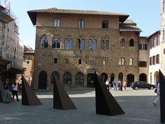 Cassa di Rispammio (1elf12) Tags: italien italy volterra bank tuscany toskana cassa piazzadeipriori