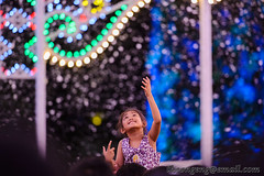 Gardens by the Bay Christmas Wonderland - Spalliera Dec '15 (knowenoughhappy) Tags: christmas light snow playing gardens by bay singapore december child play dec installation groove wonderland luminaire 2015 spalliera supertree