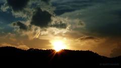 Atardecer (marthahari) Tags: sol mxico atardecer cielo nubes puestadesol nube distritofederal ajusco airelibre