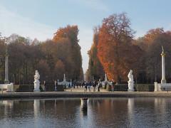 Blick zum Neuen Palais (1elf12) Tags: park autumn licht wasser herbst unesco sanssouci potsdam lustgarten hauptallee grosefontne figurenrondell