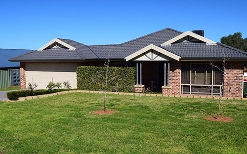 6 Charles Barber Close, Parkes NSW