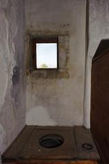 20110921-FD-flickr-0017.jpg (esbol) Tags: toilette toilet bathroom kloset keramik ceramics pissoir kloschüssel urinals bad badewanne sink waschbecken bathtub dusche shower