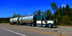 Jade 388 (jr-transport) Tags: road transport shift trains jade oil custom tanker tar peterbilt 389 showtruck rigid 388 carhauler btrains