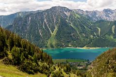 R_002  Wandern zur Dalfazalm im Rofan (wenzelfickert) Tags: sky lake mountains landscape austria see tirol sterreich dorf village hiking himmel reservoir berge trail landschaft wandern wanderweg maurach achensee stausee rofangebirge bergmassiv