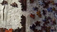 Puzzling (Mamluke) Tags: sun sunlight texture textura fabric cloth tageslicht sunlit trapo zonlicht gewebe tela tissu stoffa stoff lumièredusoleil stof tessuto étoffe luzdelsol lucesolare