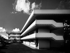 Takara Apartments (Chimay Bleue) Tags: frank hawaii modernism stephen lloyd honolulu wright takara modernist midcentury makiki oyakawa