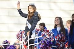 Miss America 2016 Betty Cantrell (Tony Shi, Life) Tags: thanksgiving nyc newyorkcity holiday parade macysthanksgivingdayparade celebration upperwestside macys uws 2015